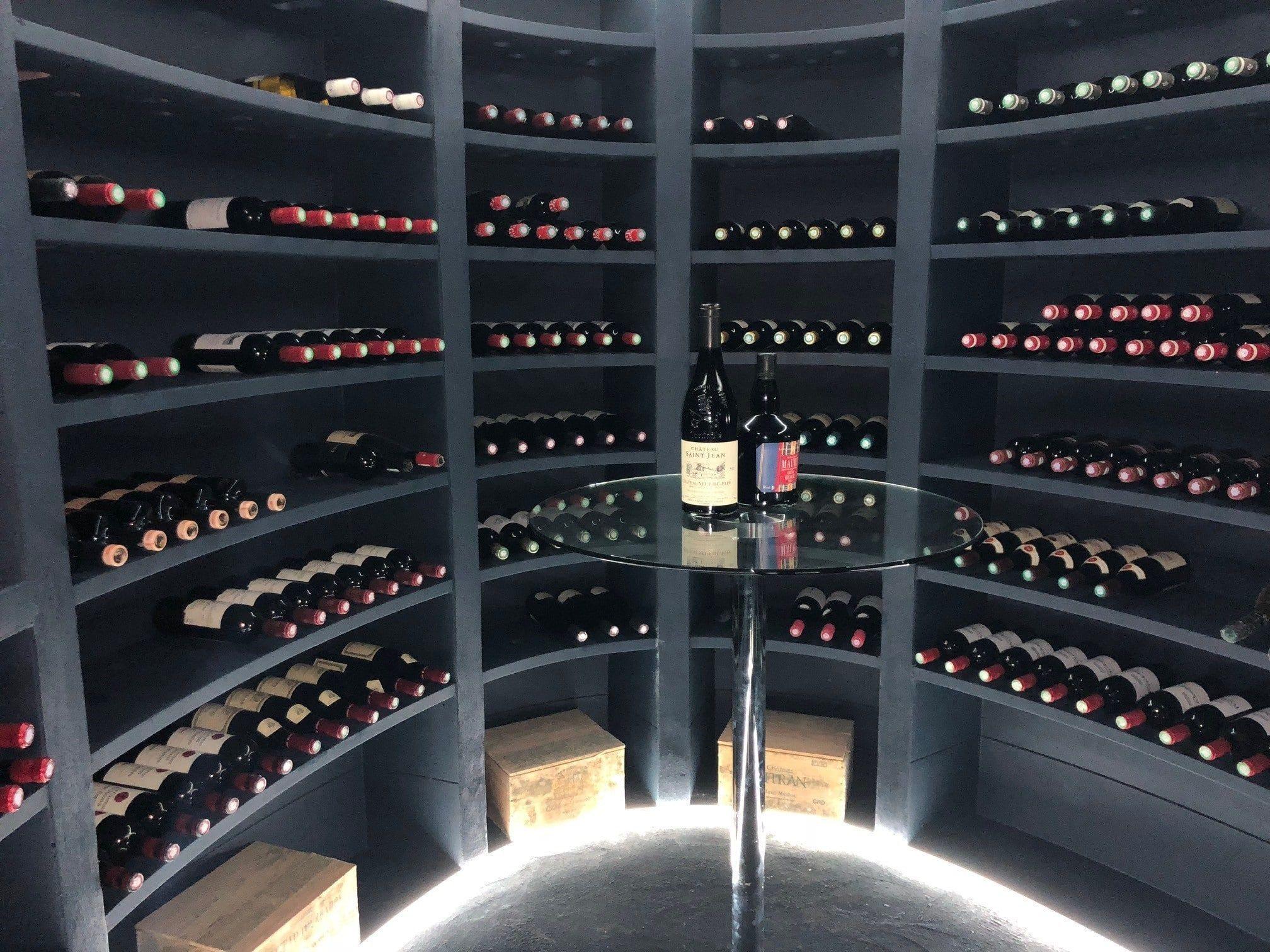 Comment Ranger Son Armoire À Vin hélicave - fabricant français de caves à vin enterrées