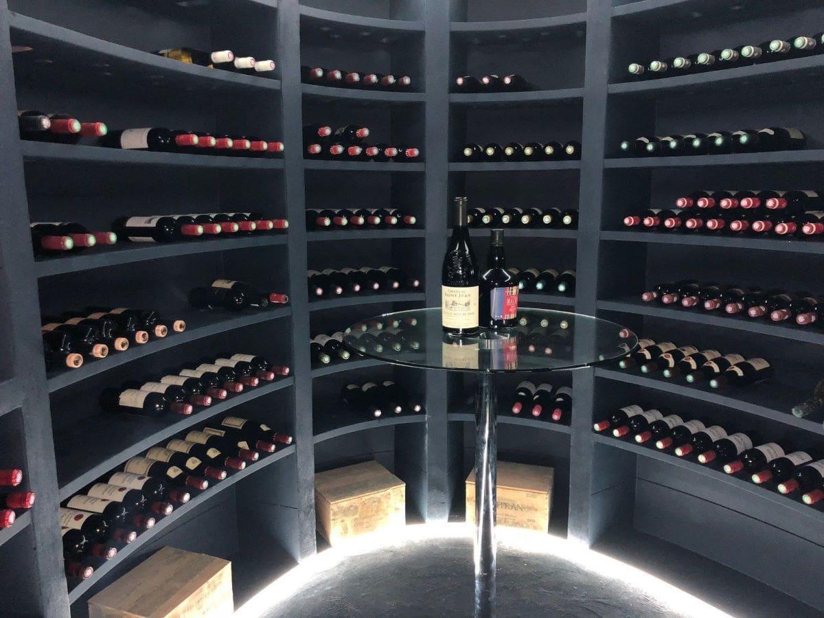 Une Cave A Vin cave à vin ovale